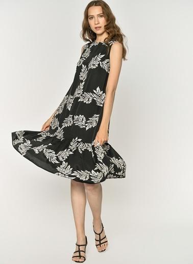 Loves You Yaprak Desenli Yarım Piliseli Kolsuz Elbise Siyah